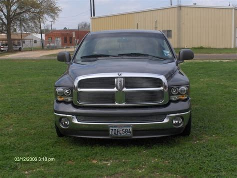 2002 Dodge Ram 1500 Lights by 2002 2005 Dodge Ram 1500 2500 Dual Halo Led Projector