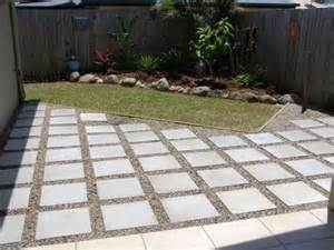 Diy Patio With Pavers Patio Pavers With Spaces Diy Ideas