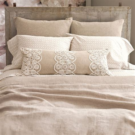 Burlap Bedding Sets Best 25 Burlap Bedding Ideas On Pinterest Burlap Bed Skirts Burlap Bedroom And Burlap