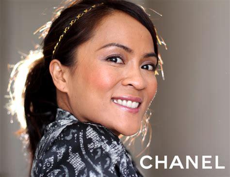 Chanel Powder Blush Frivole wearing the new chanel joues contraste powder blush in