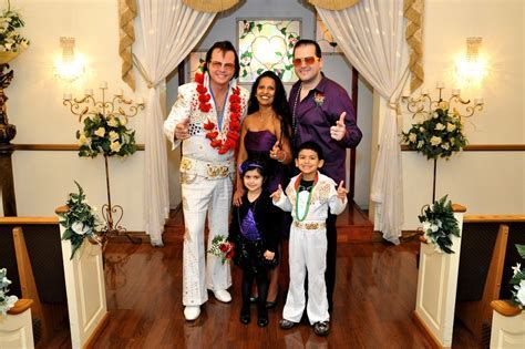 Elvis Weddings Las Vegas   Shalimar Wedding Chapel