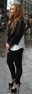 Holly Valance In Entourage Demi Lovato Goes Sightseeing In London Wearing A Pair Of