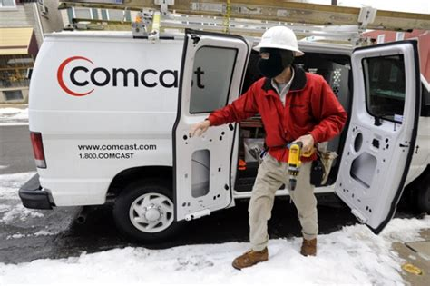 comcast infinity customer service comcast turns 50 000 paying customer homes into