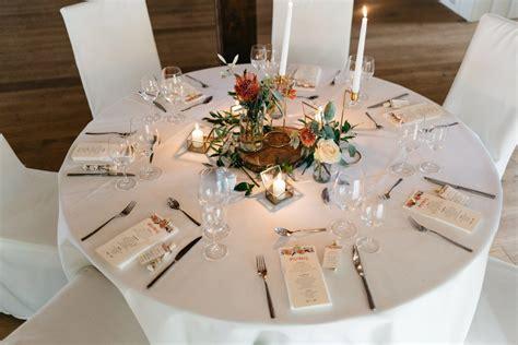 Tischdeko Hochzeit Tracht by Beispiele F 252 R Blumen Auf Runden Tischen F 252 R Die Hochzeit