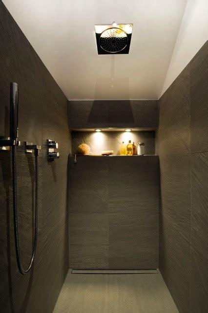 offene dusche offene dusche mit edlen gro 223 formatfliesen in schiefergrau