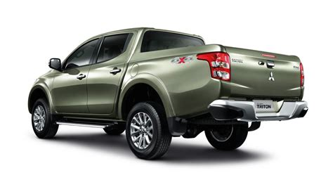 triton mitsubishi 2016 2016 mitsubishi triton revealed gets new 2 4td 6spd