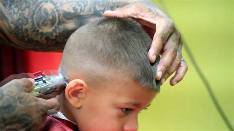 youtube young boys getting haircuts little boys haircut skin fade with design youtube