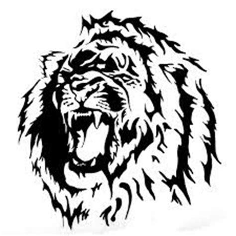 tato di dada full colour motif tato singa hitam putih