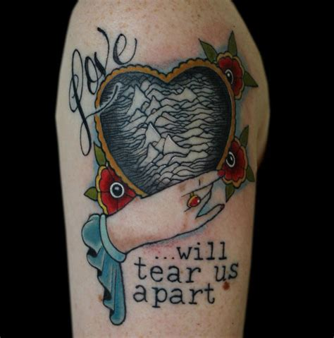 mainline tattoo 40 heartbreakingly beautiful division tattoos tattoodo