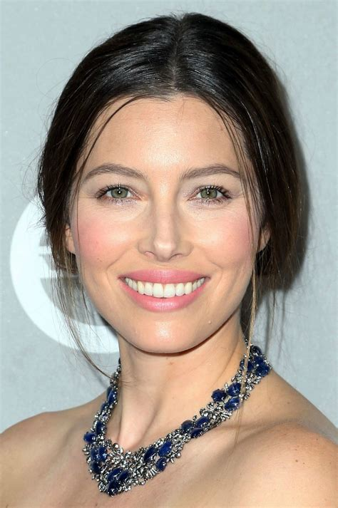 What Makeup Do You Use To Contour Your Face by The Non Contouring Makeup Trick Jessica Biel And Reese