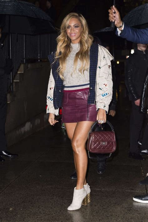 beyonce in leather mini skirt 03 gotceleb