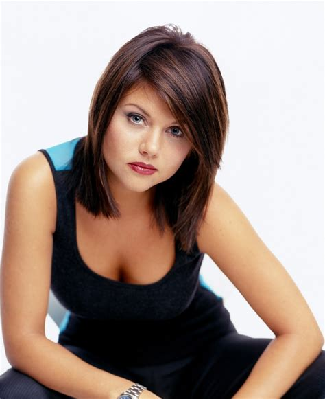 tiffani thiessen short hairstyles how to style 138 best images about tiffani amber thiessen on pinterest