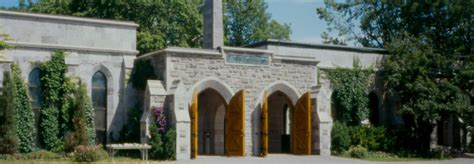 mount royal cemetery gate hours