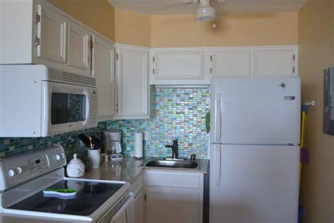 kitchen glass backsplash ideas 15 glass backsplash ideas to spark your renovation ideas