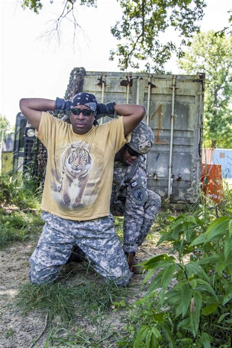 Nj Search And Seizure Dvids Images 2014 Army Reserve Best Warrior Competition Search And Seizure