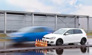 Bremsweg Auto bremsweg berechnen formel wichtige autos im test