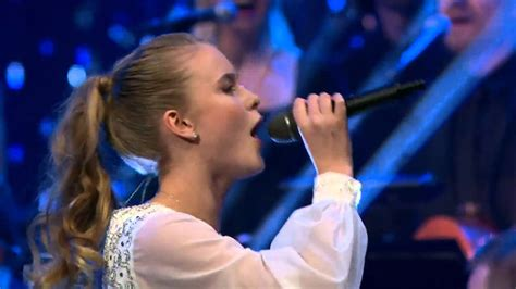 zara larsson carry you home live nordisk julkonsert