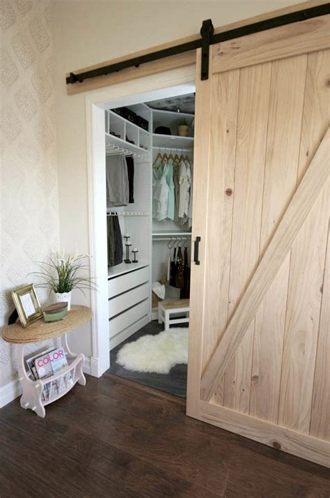 20 Best Diy Farmhouse Decor Ideas Tip Junkie Installing A Sliding Barn Door