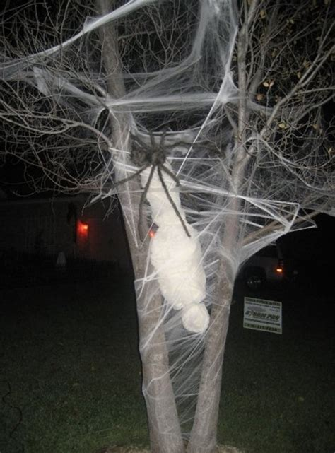 Scary Decoration by 24 Indoor Outdoor Tree Decorations Ideas