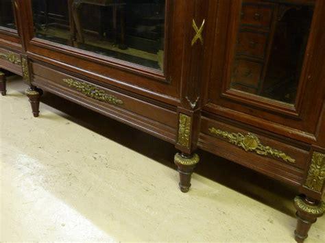armoire antiques atlas