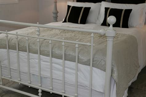 King Size White Metal Bed Frame King Size Bed Frame Ivory Metal Bed Frame Brand New Bed Frame Ebay
