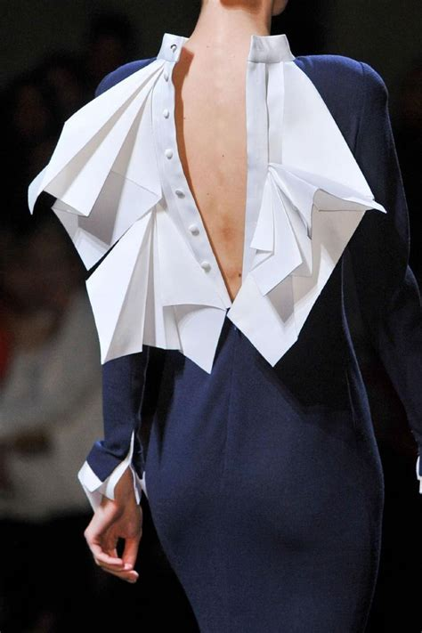Origami Fashion Designers - 25 origami fashion ideas on fabric