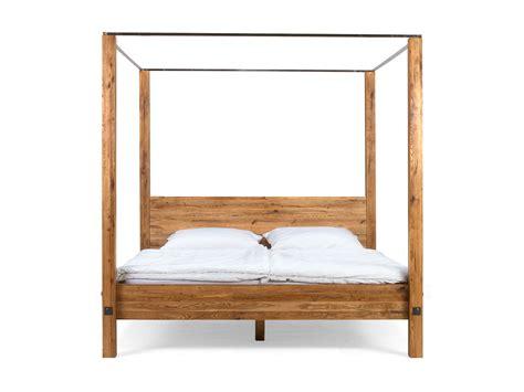 schlafzimmer bett 180x200 himmelbett holz 180x200 pin toraja designer luxus