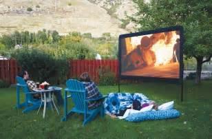 amazon com camp chef 120 inch portable outdoor movie theater screen patio lawn amp garden