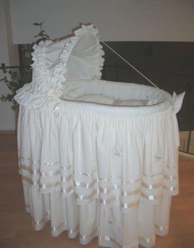 puset ekilli ve beyaz renkli bebek be ik modelleri on pinterest beyaz 231 ok şık bebek beşik sepeti modeli 187 by nisa4