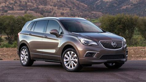 2017 buick envision offers lots of space without bulk