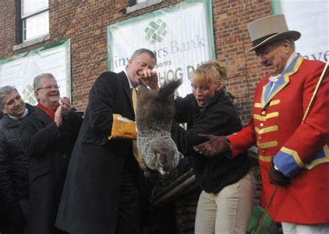 groundhog day new york bill de blasio dropping staten island chuck may bring