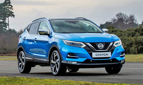 updated nissan qashqai crossover shows its motormart