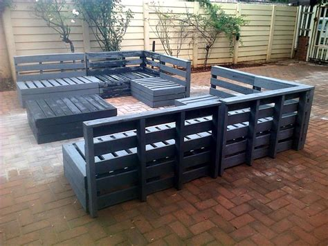 outdoor furniture using pallets superb pallet patio furniture set 101 pallets