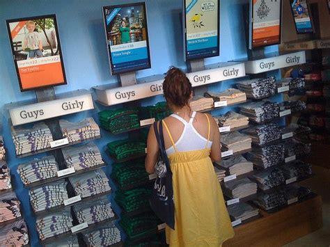 best t shirt shop 28 best t shirt displays images on t shirt