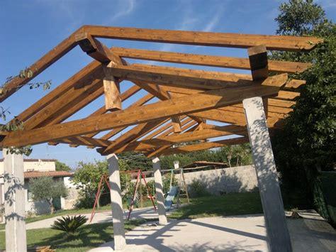 struttura gazebo in legno strutture in legno canada house gardens