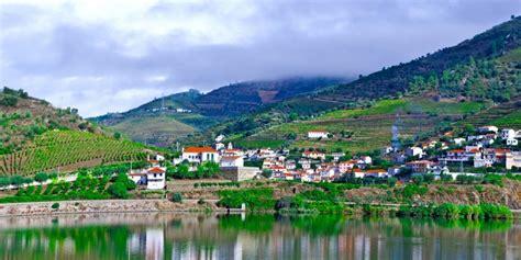il vino porto viaggiare in portogallo il vino porto e la valle
