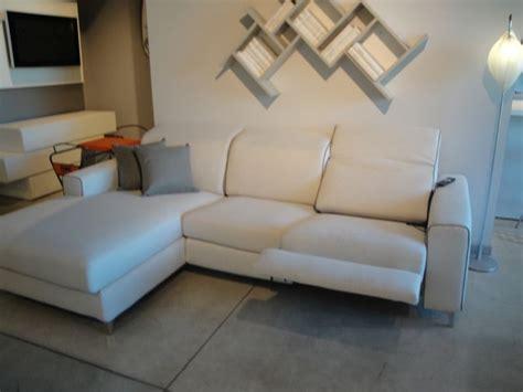 divani angolari prezzi divano angolare modello drive in divani a prezzi scontati