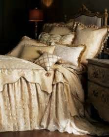 Ruffled Coverlet 1000 Images About Skirted Coverlet On Pinterest Bed