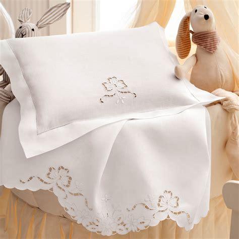 ricami per lenzuolini culla lino disegnato per p culla ricamo intaglio lenzuolini