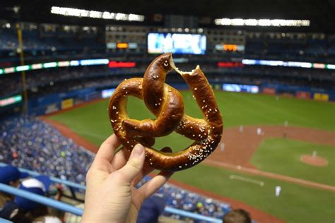 post season baseball snacks  eat   game