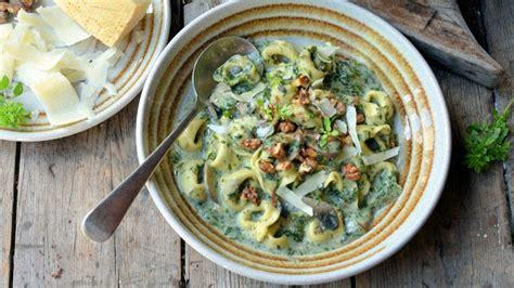 come si cucinano i spinaci spincaci come si cucinano ricette propriet 224 e