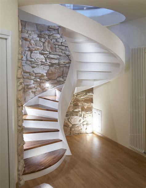 online staircase design scale a chiocciola in cemento