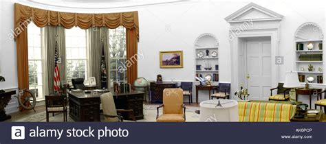 the oval room dc the oval office at the white house in washington dc stock photo royalty free image 14903541