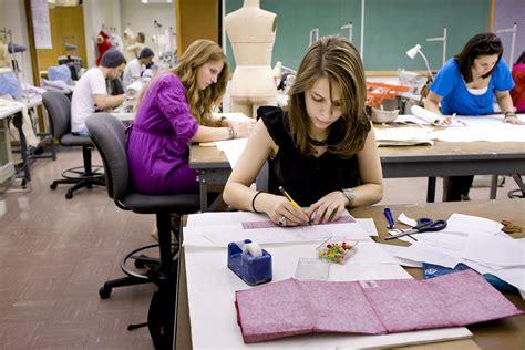 fashion design major academics