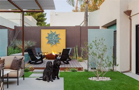 10 Creative Faux Finish Ideas For Your Bare Walls Garden Wall Paint