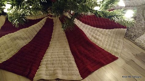 best christmas tree skirt pattern 27 free crochet tree skirt patterns