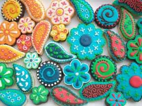sugar cookie decorating ideas paisley just look at the beautiful colors cookie ideas