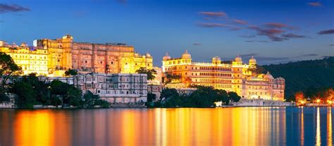 romantic udaipur top  hotspots   city  love
