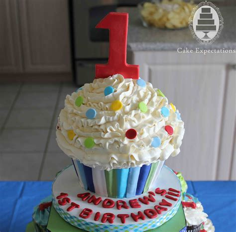 Cupcake Birthday Cake by Cake Expectations Www Cakeexpectations Ca 187 Birthday