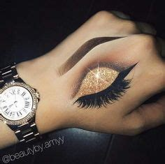 hand tattoo makeup okay someone can do this perfectly on the back of